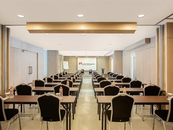 Ruang Pertemuan Swiss-Belexpress Cilegon