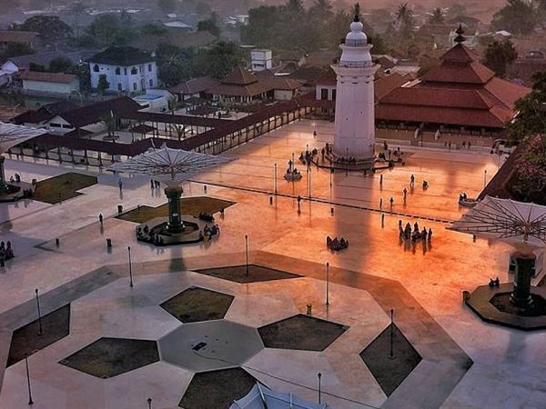 Masjid Agung Banten Swiss-Belexpress Cilegon