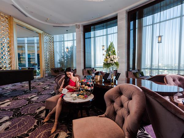The Lounge Hotel Ciputra World Surabaya