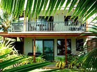 Beachfront Apartment Muri Beach Resort