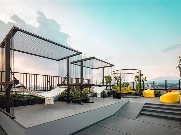 Ruang Serbaguna di Rooftop Zest Sukajadi Bandung