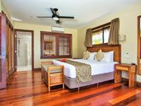 3 Bedroom Beachfront Are Nautilus Resort