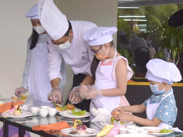 Kids Cooking Class Swiss-Belhotel Lampung
