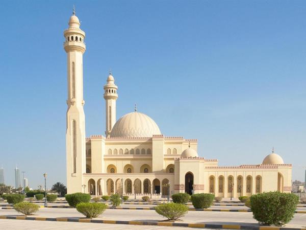 Al-Fateh Mosque Grand Swiss-Belhotel Waterfront Seef