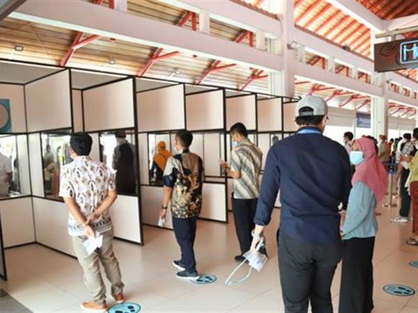 Mulai Hari Ini Bandara Ngurah Rai Bali Sediakan Layanan Tes GeNose C-19, Tarifnya Rp 40 Ribu Swiss-Belresort Watu Jimbar
