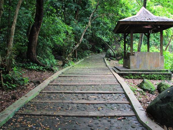 Obyek Wisata Plangon Cirebon Swiss-Belhotel Cirebon