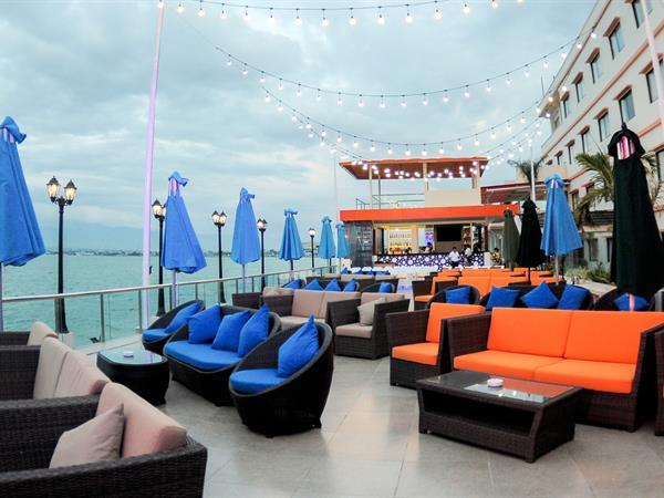 Seaside Terrace Swiss-Belhotel Silae Palu