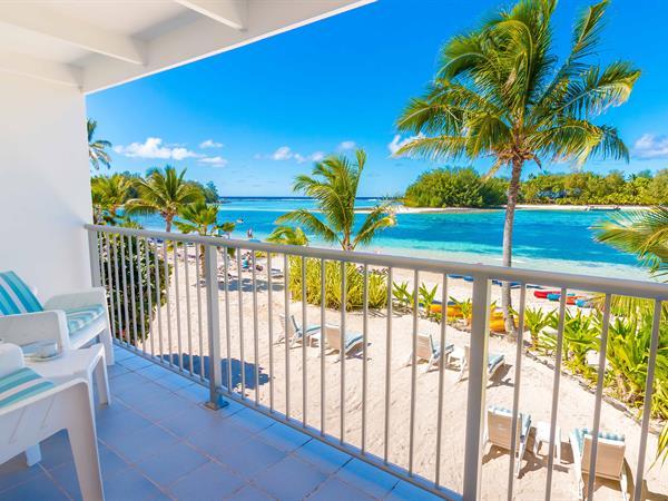 Deluxe Beachfront Room Muri Beach Club Hotel