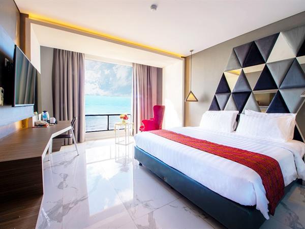 Deluxe Room Sea View Swiss-Belcourt Kupang