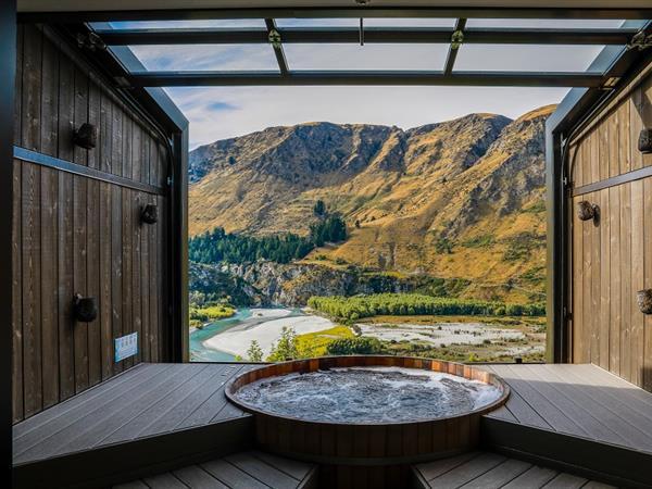 Onsen Hot Pools Swiss-Belresort Coronet Peak, Queenstown, New Zealand
