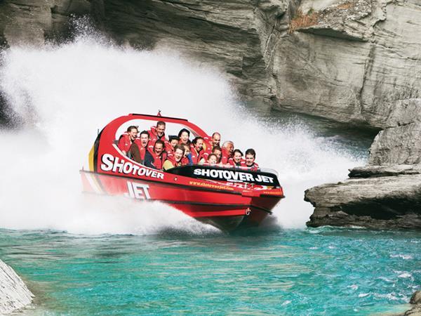 How far is the resort from the Shotover Jet? Swiss-Belresort Coronet Peak, Queenstown, New Zealand