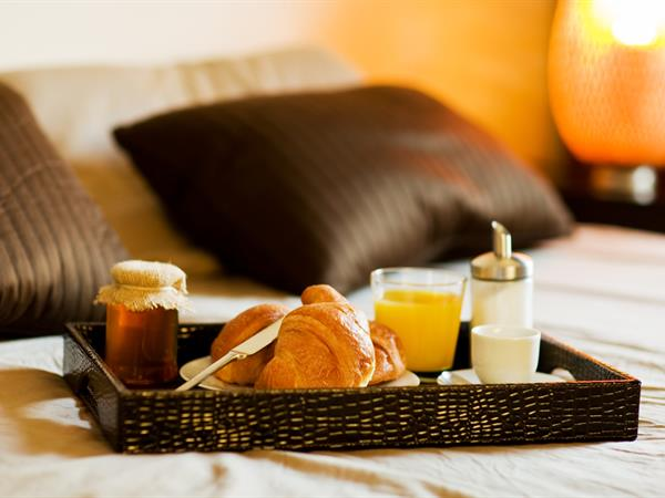 خدمة تناول الطعام في الغرف فندق سويس بل هوتيل السيف، البحرين