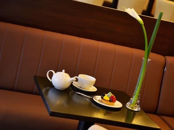 كافيه تشينو، ومقهى الردهة فندق سويس بل هوتيل السيف، البحرين
