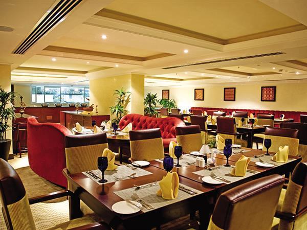 مطعم ماكسيل سويس بل هوتيل الدوحة