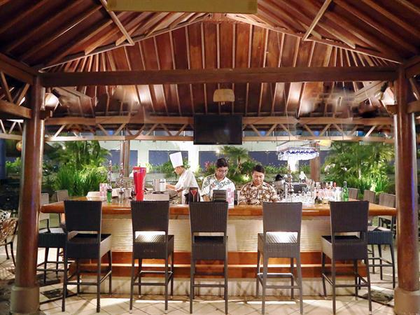 Pulau Bar dan Restoran Hotel Ciputra Jakarta