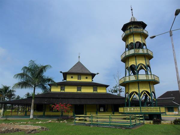 Shiratal Mustaqiem Mosque Swiss-Belhotel Borneo Samarinda