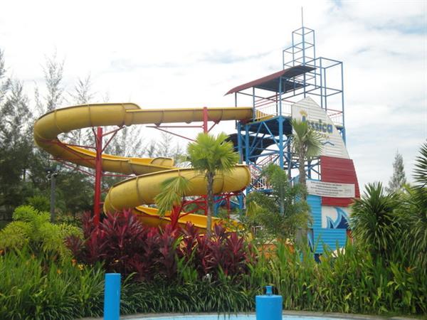 Jessica Water Park Swiss-Belhotel Borneo Samarinda
