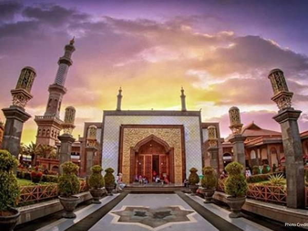 Masjid Raya At-Taqwa Swiss-Belhotel Cirebon