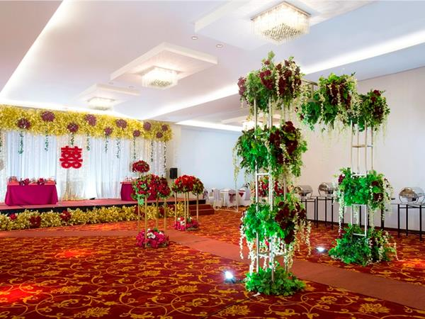 Wedding packages swiss belinn kemayoran swiss belinn kemayoran wedding packages starts from idr 75000000 junglespirit Gallery