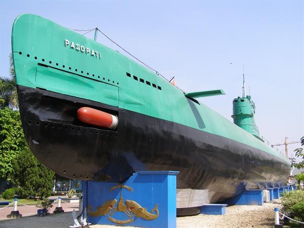 Surabaya Submarine Monument Swiss-Belinn Tunjungan