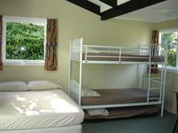 Self-contained Unit Alpine Holiday Apartments & Campground