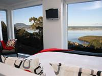 parawera suite (lake view)