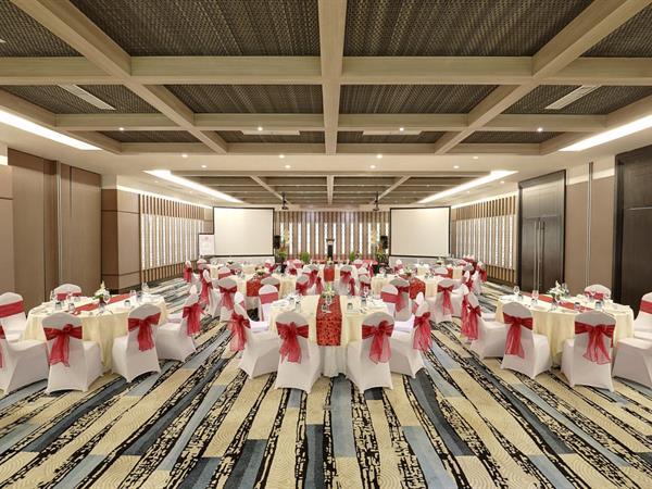 Ruang Pertemuan Swiss-Belresort Watu Jimbar