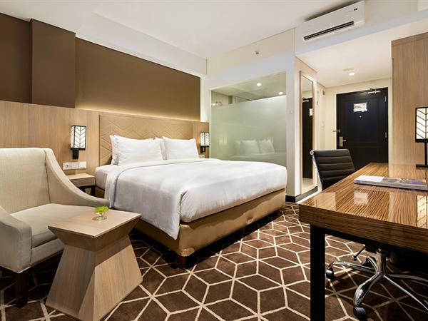 Grand Deluxe Room Swiss-Belinn Tunjungan