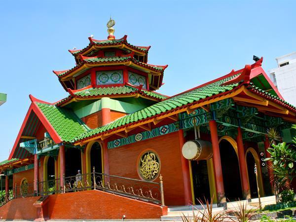 Masjid Cheng Ho Swiss-Belinn Tunjungan