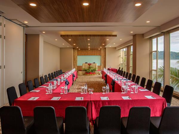 Meeting room swiss belhotel papua jayapura meeting room swiss belhotel papua junglespirit Gallery