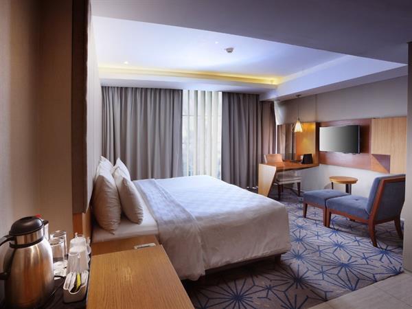 Grand Deluxe Room Swiss-Belhotel Pondok Indah