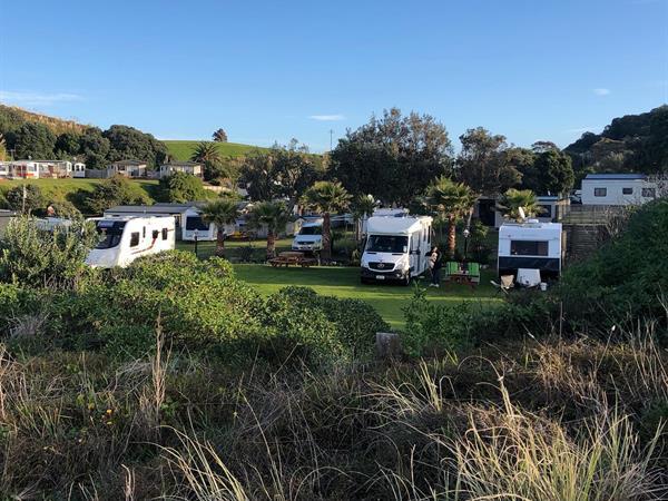 Powered Caravan and Tent Sites Bowentown Beach Holiday Park