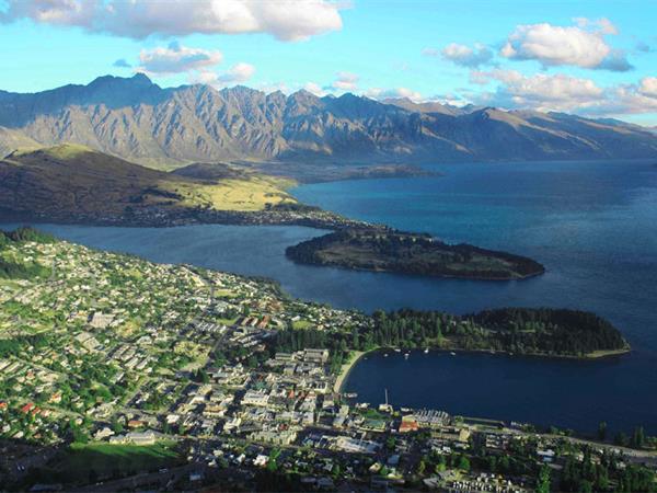 View Queenstown Webcams! Swiss-Belresort Coronet Peak, Queenstown, New Zealand