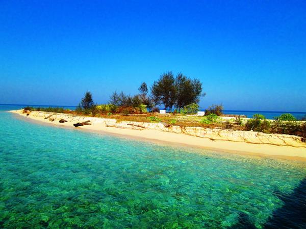 Khayangan Island Swiss-Belhotel Makassar