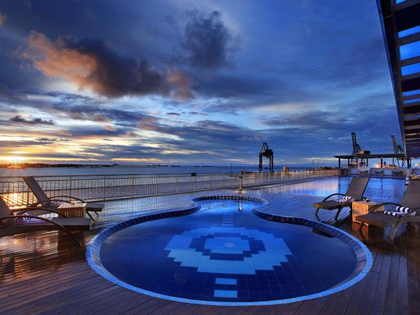 Swimming Pool & Fitness Centre Swiss-Belhotel Makassar