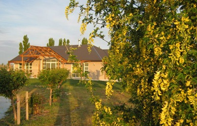 Aravin Vineyard and Accommodation