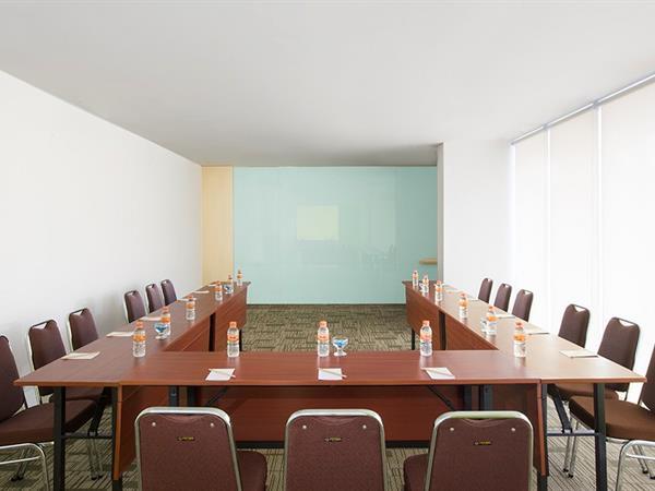 Meeting Rooms Zest Bogor