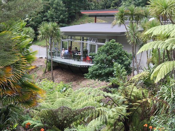 Whangarei Quarry Gardens & Quail Cafe Discovery Settlers Hotel Whangarei