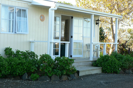 2 Bedroom Park Motels Matakohe Holiday Park