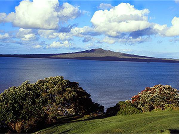 Rangitoto Island Swiss-Belsuites Victoria Park, Auckland, New Zealand