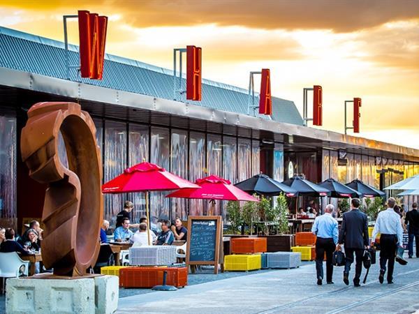 Dining in Auckland Swiss-Belsuites Victoria Park, Auckland, New Zealand