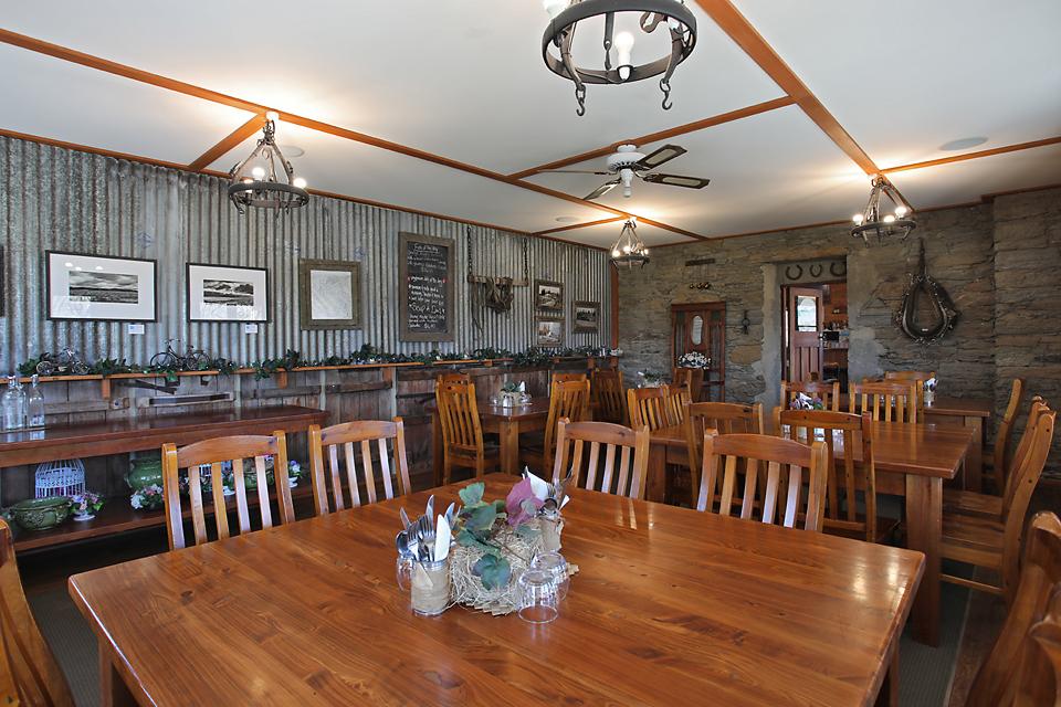 Wabbit Pie @ Chatto Creek Tavern