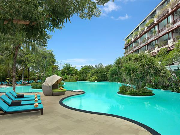 Swimming Pool Swiss-Belhotel Segara