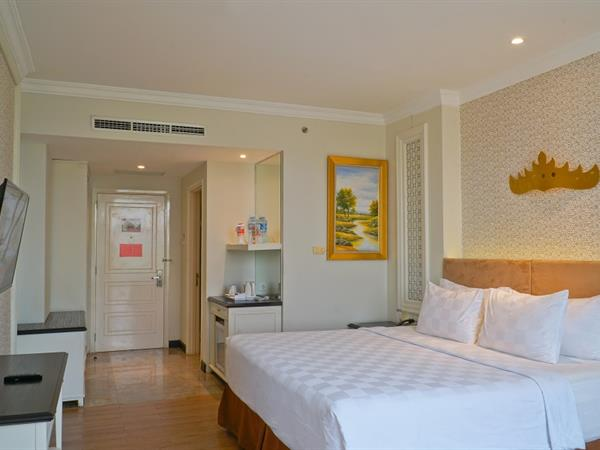 Deluxe Room Swiss-Belhotel Lampung