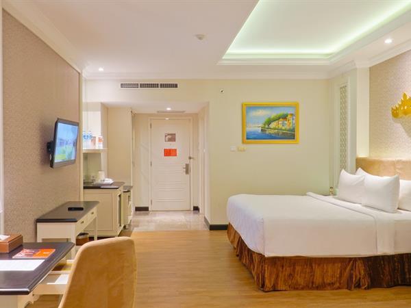Deluxe Suite Swiss-Belhotel Lampung