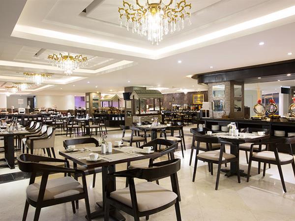 Swiss-Cafe Restaurant Swiss-Belhotel Lampung