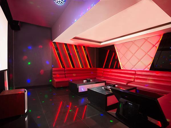 Star Lounge and Karaoke Swiss-Belhotel Silae Palu