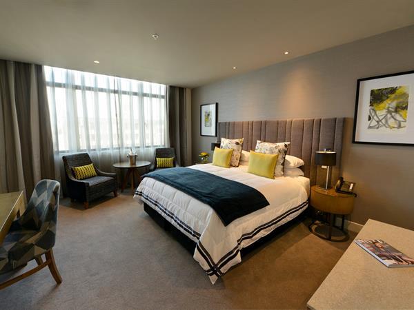 Bed & Breakfast For 2 - Dunedin Distinction Dunedin Hotel