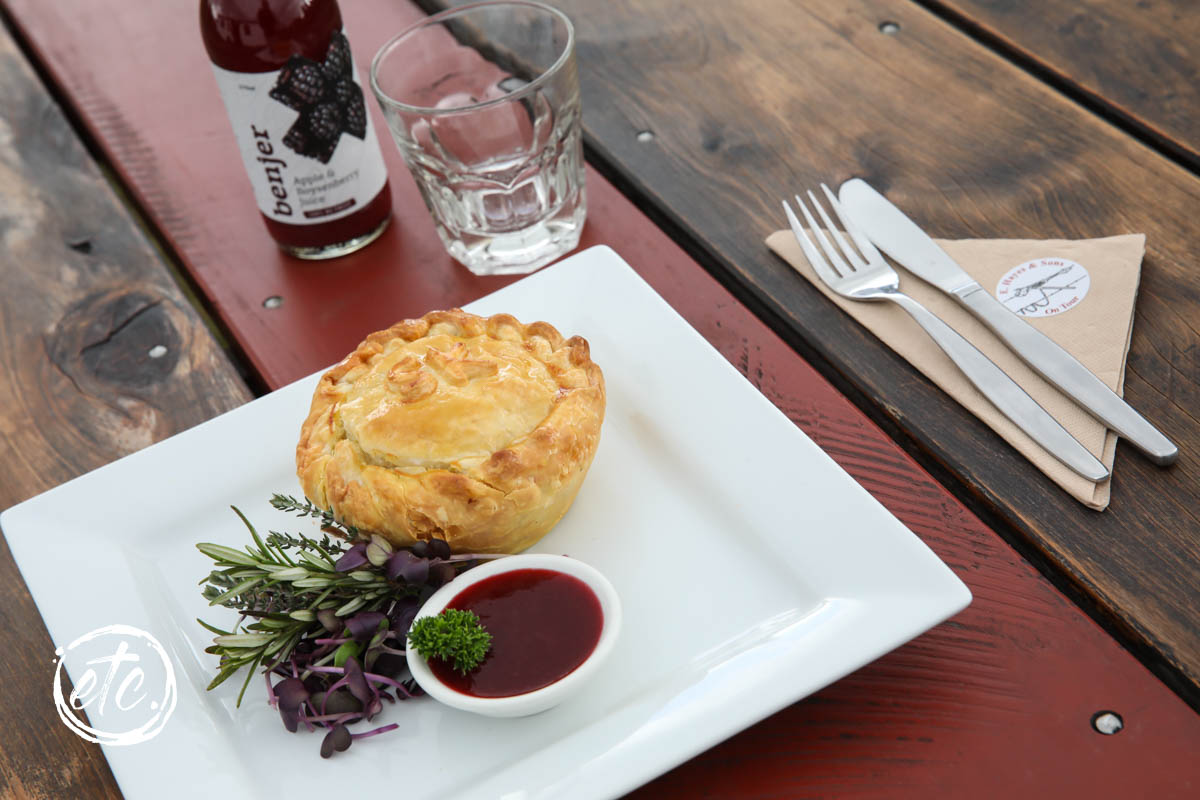 Settler's Steak and Kidney Pie @ Hannah's Cafe