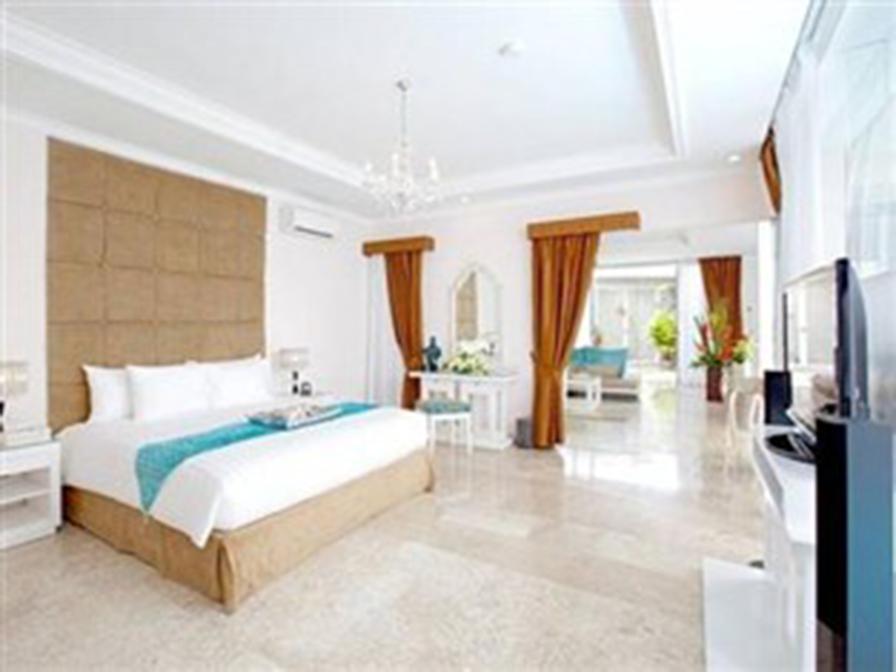 Nusa Dua Retreat Boutique